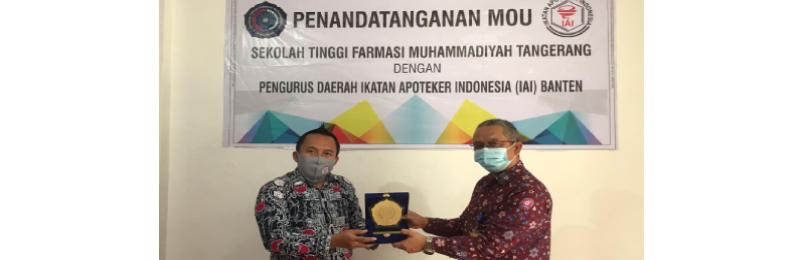 Penandatanganan MoU antara STFM dengan IAI Banten.